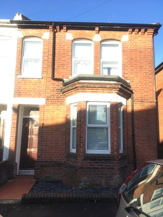 Thumbnail Semi-detached house to rent in Cromwell Road, Southampton