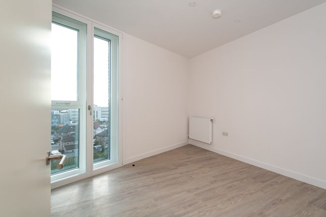 Thumbnail Flat to rent in Pressing Lane, Hayes