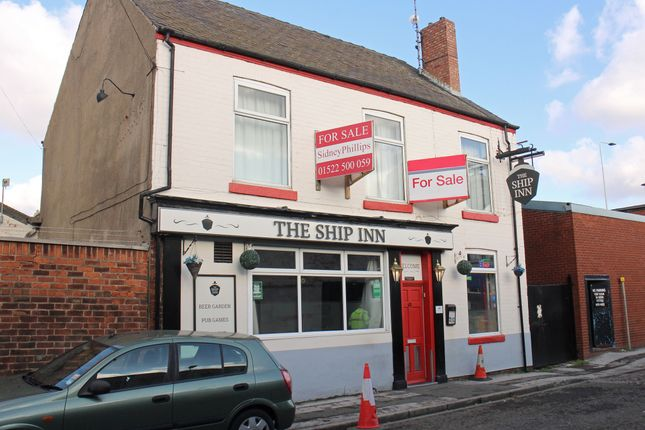 Thumbnail Pub/bar for sale in Hodgson Street, Hull