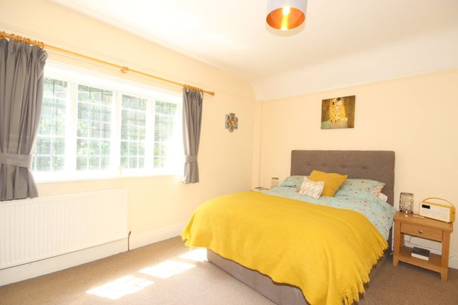 Thumbnail Cottage to rent in Old Hall Lane, Worsley, Manchester