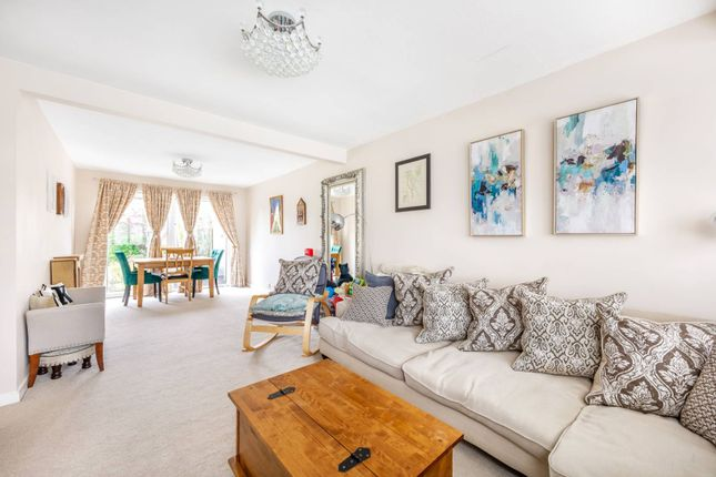 Thumbnail Property to rent in Chatsworth Gardens, Harrow