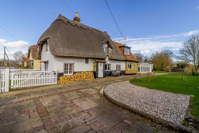 Thumbnail Detached house for sale in Threshers Bush, Harlow