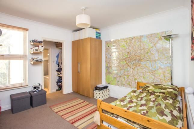 Bedroom of Cannon Road, Watford, Hertfordshire WD18