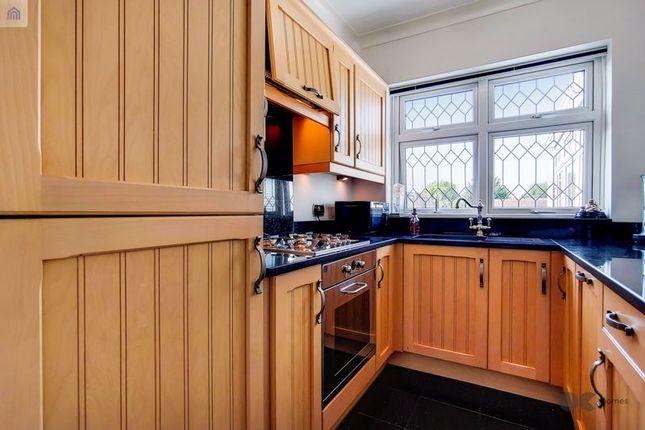 Kitchen of Mashiters Hill, Romford RM1