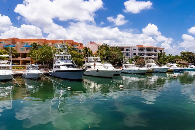 Thumbnail Apartment for sale in Quinta Aqua Luxury Condos, Puerto Aventuras, Mexico