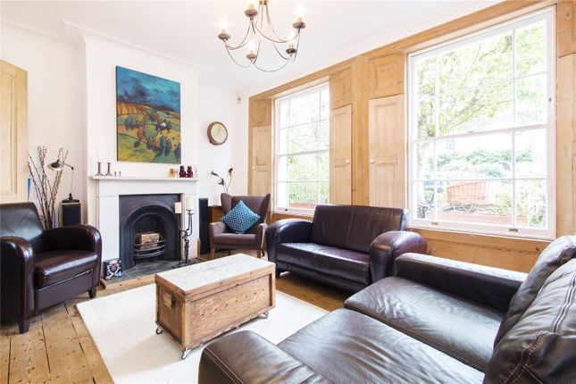 Thumbnail Terraced house for sale in Navarino Road, London