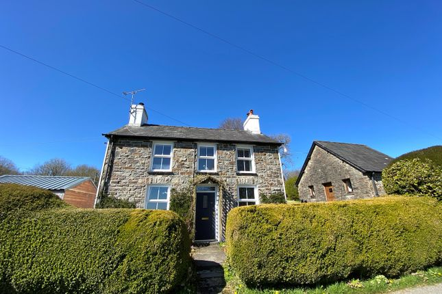 3 bed detached house for sale in Llanwnnen, Lampeter SA48