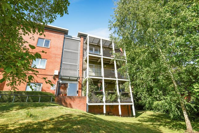 Thumbnail Flat for sale in Peninsula Road, Winchester
