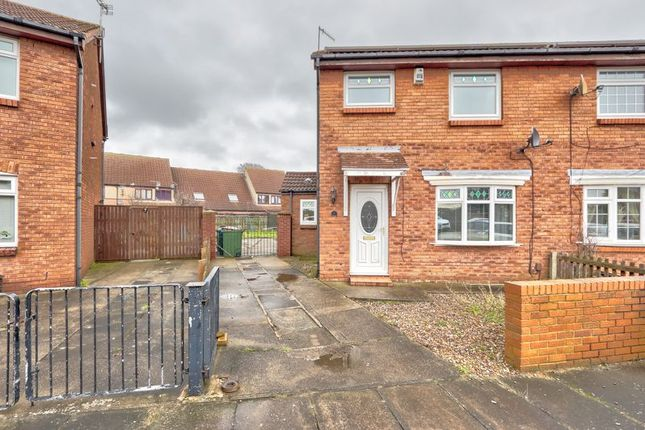 3 bed semi-detached house to rent in Gordon Crescent, Grangetown TS6