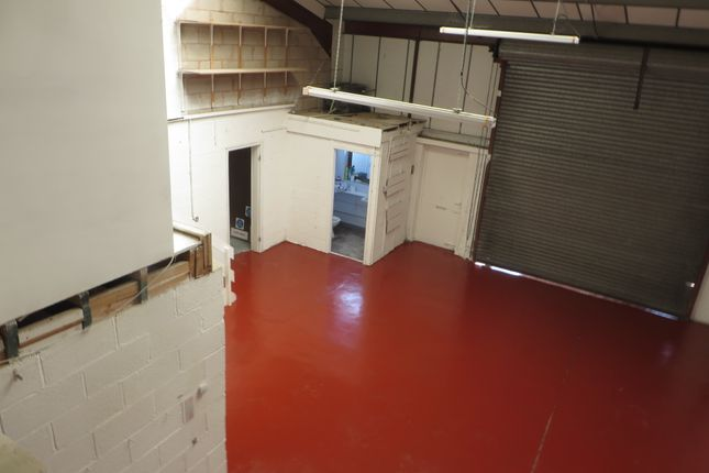 Warehouse to let in Barracks Road, Stourport