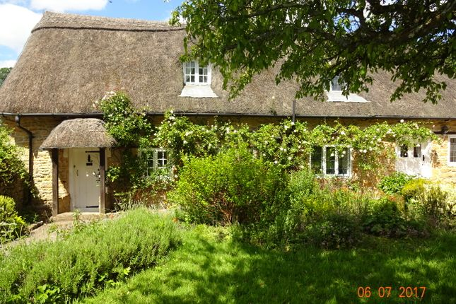 Thumbnail Cottage to rent in Burton, East Coker, Yeovil