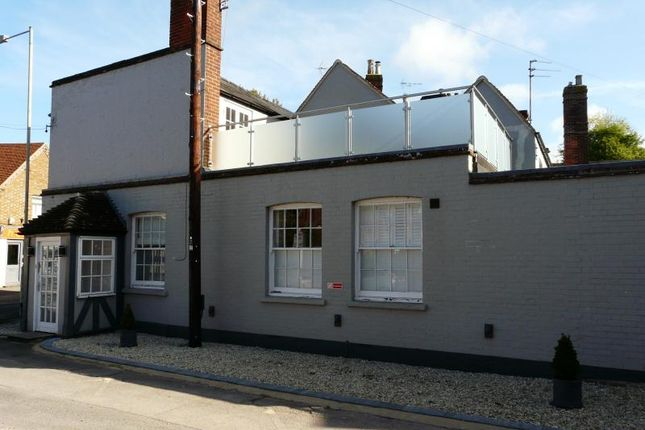 Thumbnail Flat for sale in Faulknor Square, Charnham Street, Hungerford