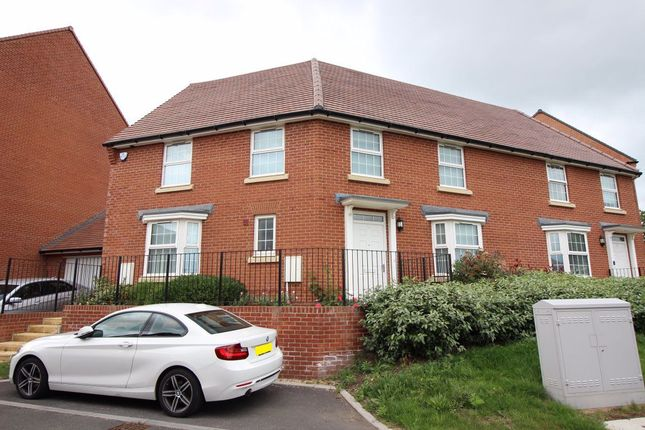 Thumbnail Property to rent in Rossway Drive, Bushey
