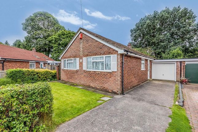 3 bed bungalow to rent in Alumbrook Avenue, Holmes Chapel, Crewe CW4