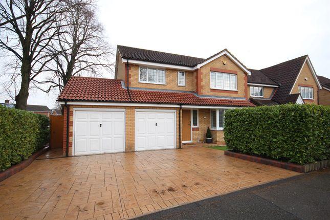 Thumbnail Detached house for sale in Parklands, Hemel Hempstead