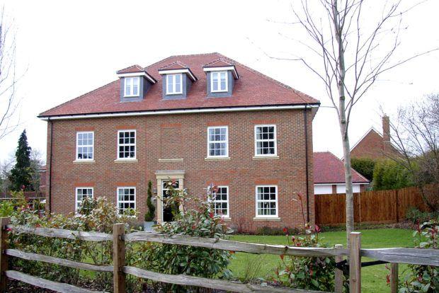 Thumbnail Flat to rent in Ashburham Drive, Cuckfield