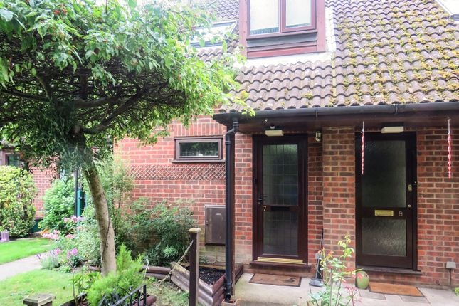 Studio for sale in Hedge Lea, Wooburn Green, High Wycombe