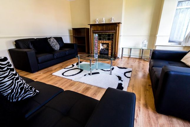6 bed property to rent in St. Anns Lane, Burley, Leeds