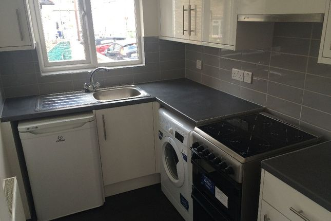 Thumbnail Flat to rent in Woodlands Park Road, London