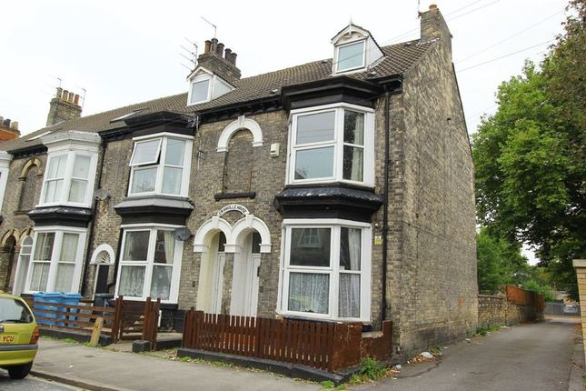 Thumbnail Terraced house for sale in Grove Street, Hull
