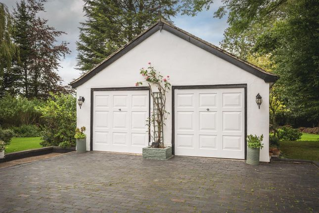 Detached Double Garage
