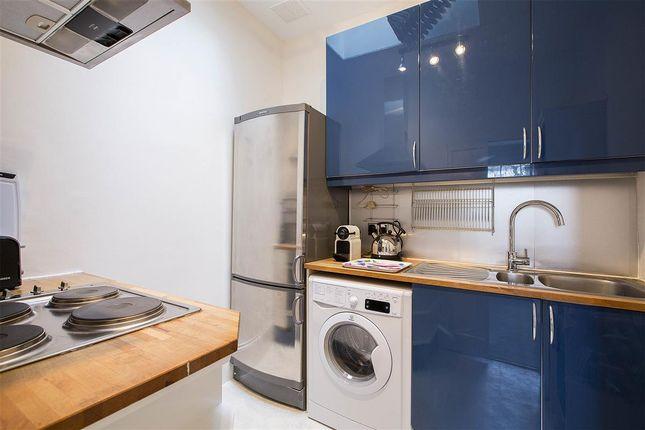 Kitchen of Eccleston Square, London SW1V