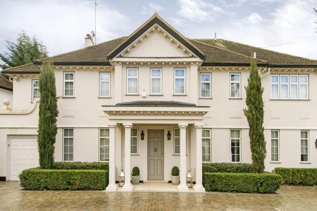Thumbnail Property for sale in Roedean Crescent, London