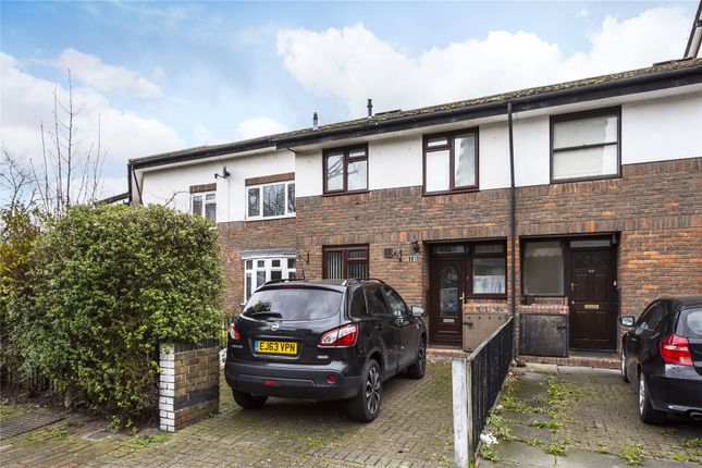 3 bed property for sale in Benwick Close, London