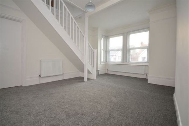 Thumbnail Flat to rent in Wyndham Avenue, Margate
