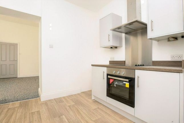 3 bed flat to rent in Albert Road, Plymouth PL2