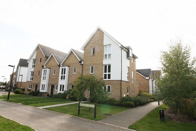Thumbnail Town house to rent in Butterfly Crescent, Nash Mills, Hemel Hempstead