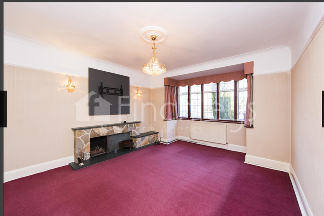 4 bed semi-detached house to rent in Arnos Grove, Southgate