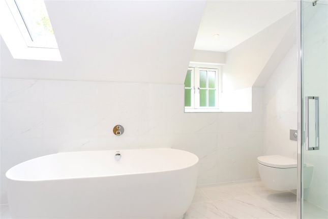 Picture No. 11 of Wick Hill, Finchampstead, Wokingham, Berkshire RG40