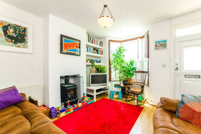 Thumbnail Property to rent in Bradley Road, Wood Green
