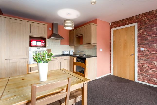 Picture No. 10 of Hilldale View, Brighton Street, Heckmondwike, West Yorkshire WF16