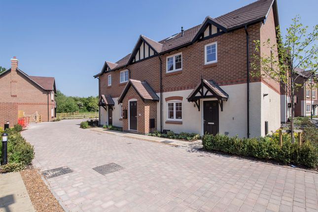 Thumbnail Flat for sale in Kenilworth Road, Balsall Common, Coventry