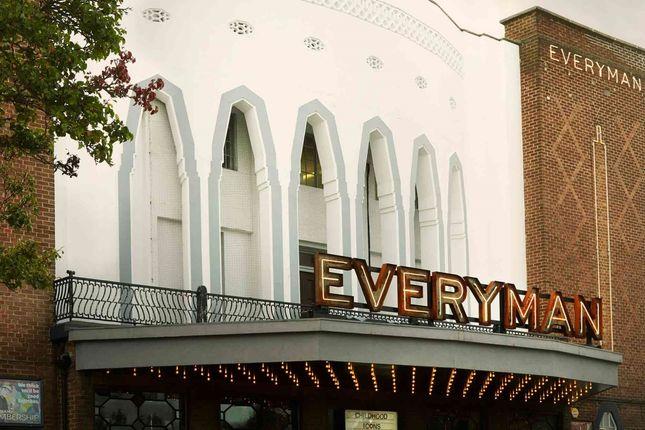 Euro House, Exter...