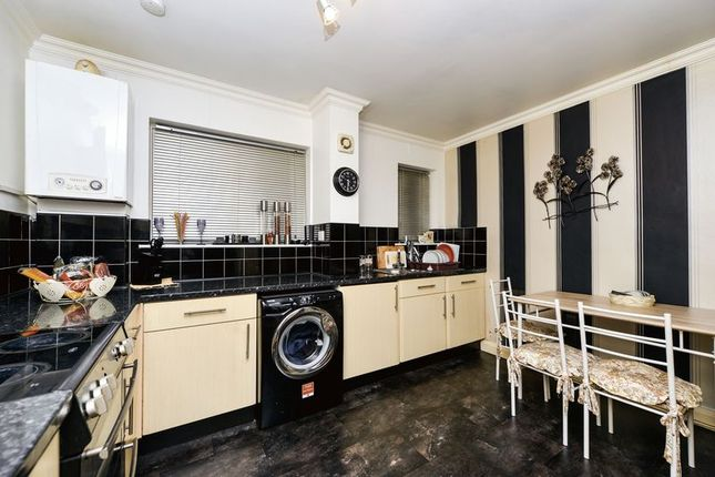 Thumbnail Flat for sale in Monthall Rise, Lancaster