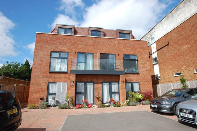 1 bed flat to rent in Francis Court, Chiltern Avenue, Amersham, Buckinghamshire HP6