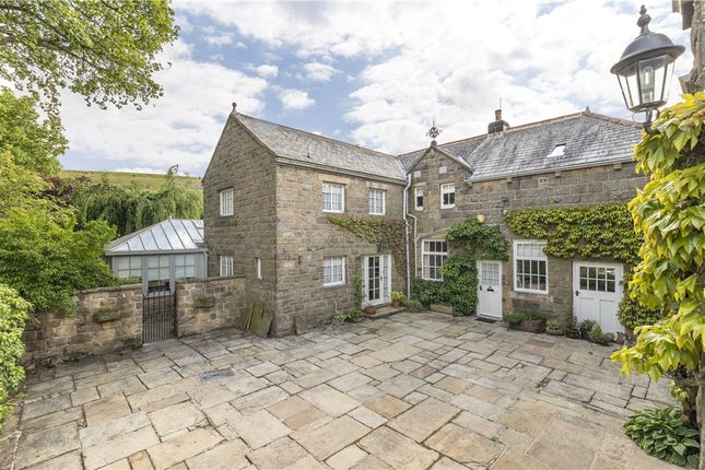 Courtyard of Panorama Drive, Ilkley, West Yorkshire LS29