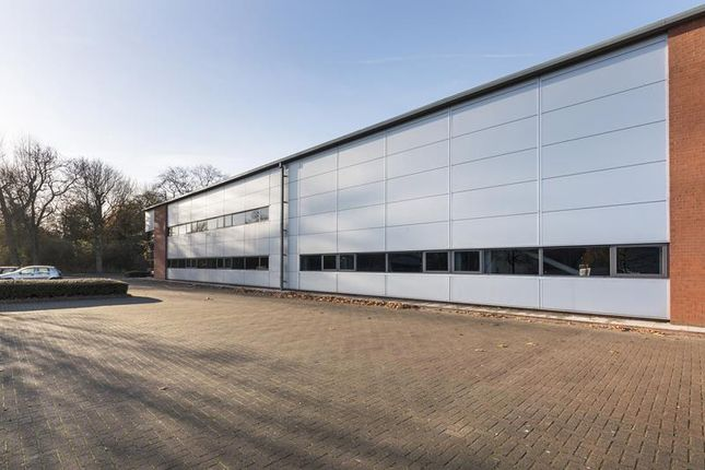 Light industrial to let in K474 Queensway North, Team Valley Trading Estate, Gateshead, Tyne And Wear