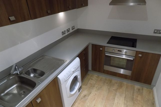 2 bed flat to rent in Douglas Street, Middlesbrough TS4