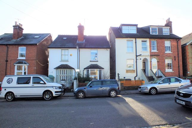 1 bed flat to rent in Lincoln Road, Dorking RH4