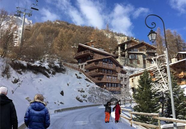 Thumbnail Apartment for sale in Les Carats, Val d'Isere, France
