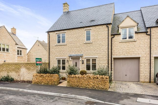 Thumbnail Town house for sale in Near Short Piece, Fairford