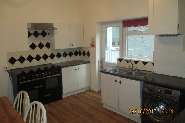 Thumbnail Terraced house to rent in Waverley Road, Southsea
