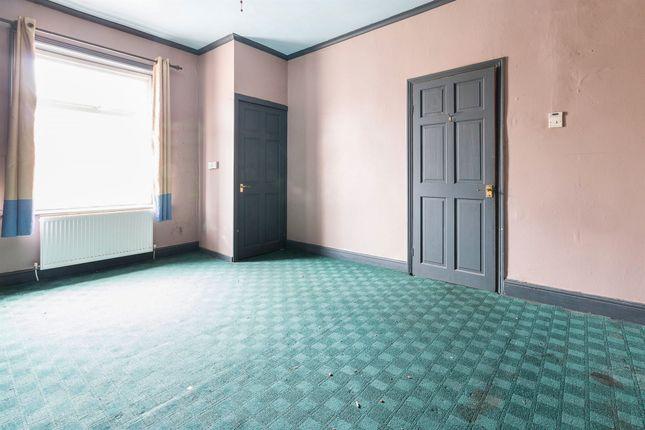 Bedroom of Autumn Street, Halifax HX1
