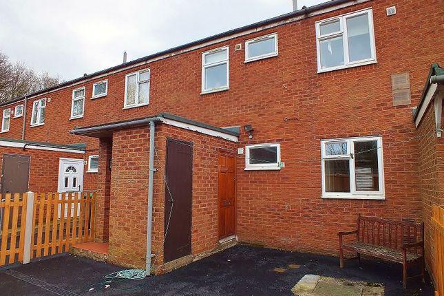 Thumbnail Flat to rent in Bridge Street, Southsea, Wrexham