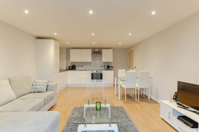 Thumbnail Flat for sale in Carrington Court, Royston