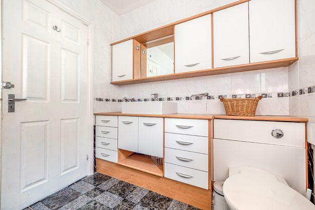 Bathroom/Wc of Newhayes, Ipplepen, Newton Abbot, Devon TQ12